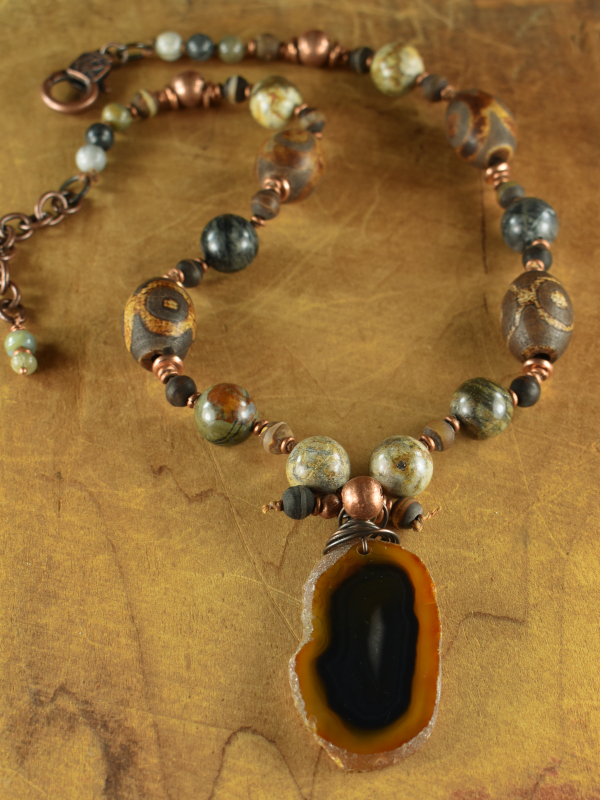 Earth toned jasper and agate beaded necklace by Gloria Ewing.