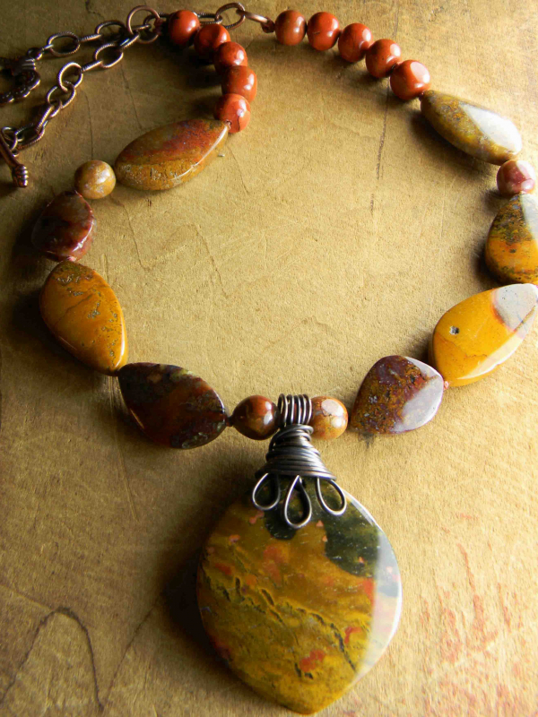 Earthy southwest colors in a beaded necklace by Gloria Ewing.
