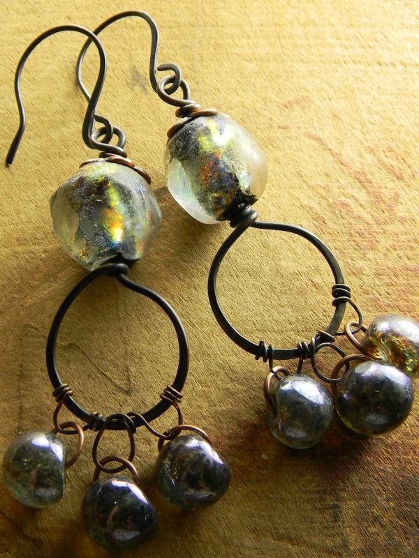 Basha lampwork beaded earrings by Gloria Ewing.