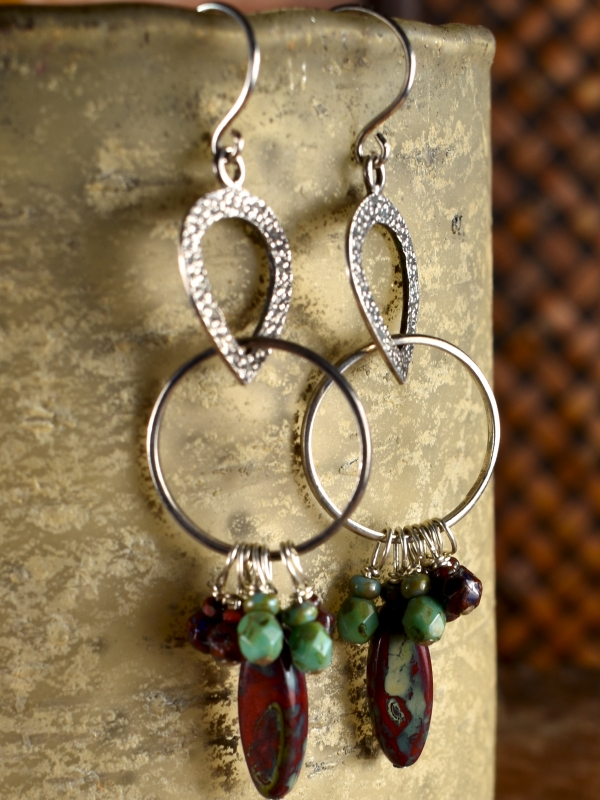 Beaded with Czech glass by Gloria Ewing.