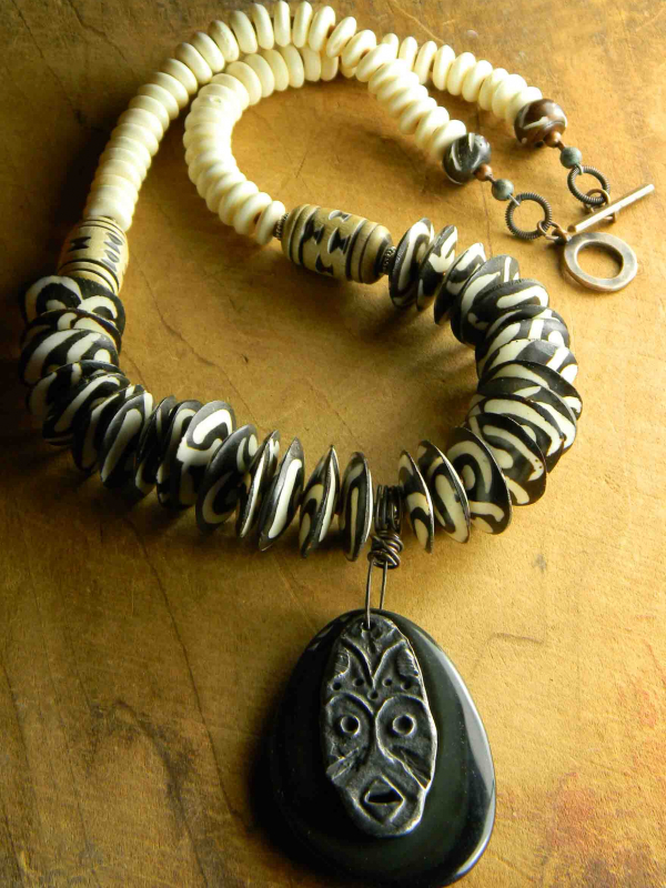 Tribal style beaded necklace design by Gloria Ewing.