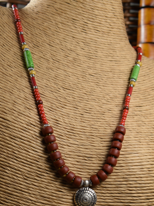 """Great piece of beaded jewelry for """"back to school"""" by Gloria Ewing."""
