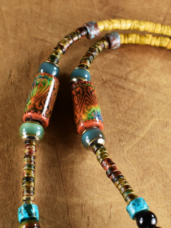 Mood bead changing color necklace by Gloria Ewing.