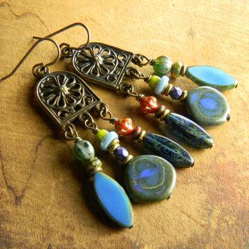 Asymmetrical beaded earring design by Gloria Ewing.