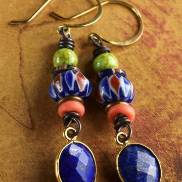 Tribal beaded earring design by Gloria Ewing.